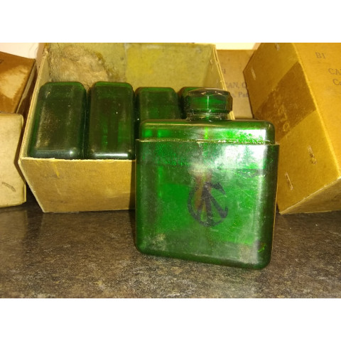 Original, Canadian Pattern, Oil Bottle, MG Mk3. Green Plastic Variant