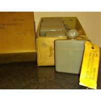 Original, Canadian Pattern, Oil Bottle, MG Mk3. Grey Plastic Variant